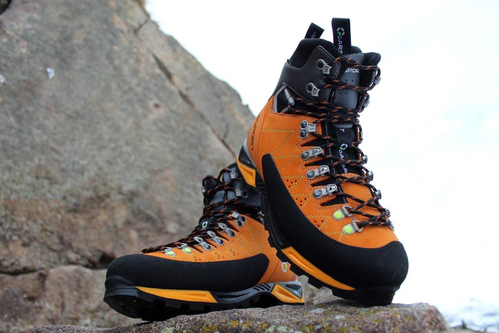 scarpone alpinismo semi ramponabile per ghiaccio vie ferrate